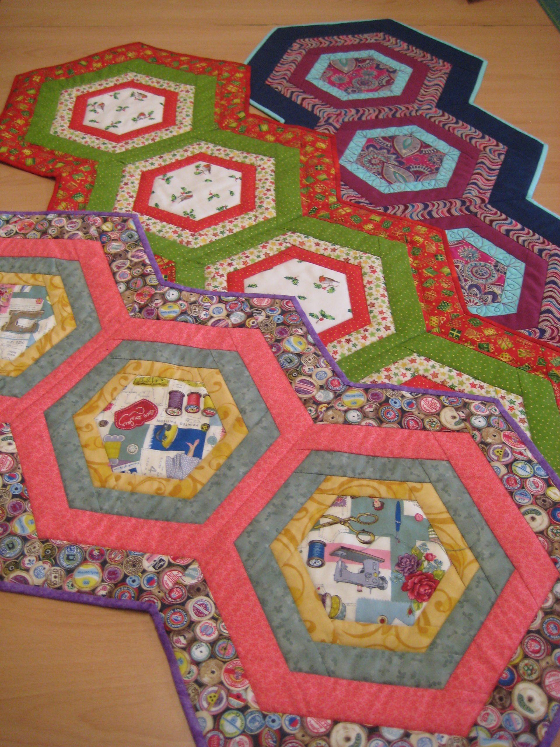Hexagonal table runner pattern