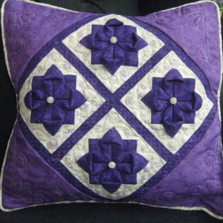 Quilagami flower cushion pattern