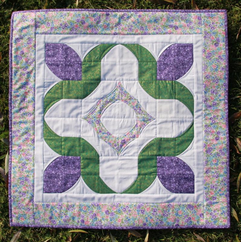 Folded over flowers runner pdf pattern