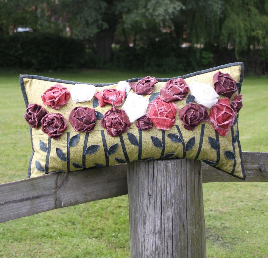 3D Roses cushion pattern pdf
